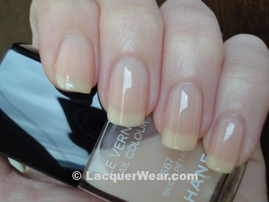 Chanel Beige Petale, shade